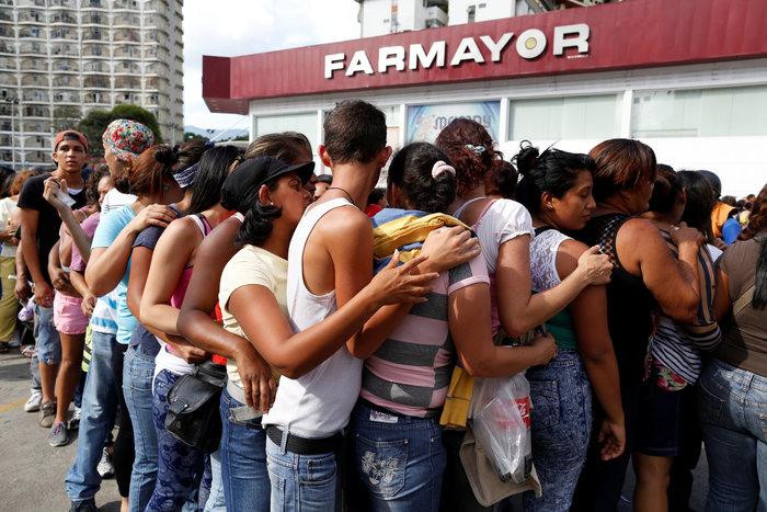 Η Βενεζουέλα «λυγίζει», ο Μαδούρο παραληρεί - εικόνα 5