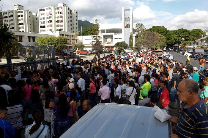 Η Βενεζουέλα «λυγίζει», ο Μαδούρο παραληρεί - εικόνα 7