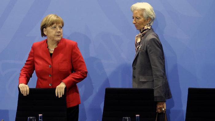 Η γενική διευθύντρια του ΔΝΤ με την γερμανίδα καγκελάριο Άνγκελα Μέρκελ
