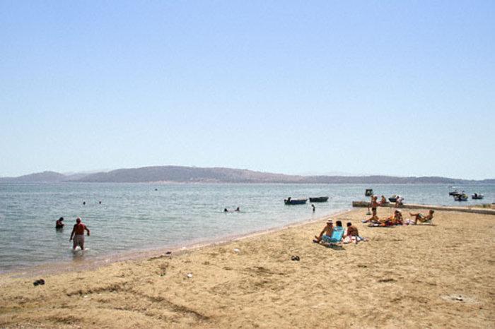 Η παραλία της Νέας Περάμου