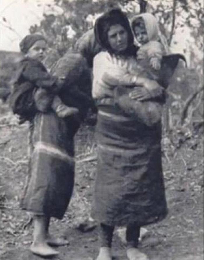 Τα μεσάνυχτα σταμάτησε το πανδαιμόνιο των πυροβολισμών και οι αντάρτες και τα γυναικόπαιδα αποσύρθηκαν στη θέση Μερτζάν Λιθάρ.