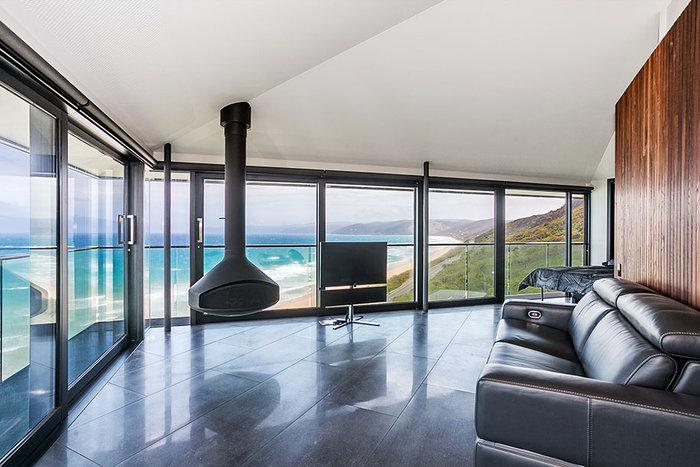Pole House :Δείτε το εντυπωσιακό σπίτι που ισορροπεί στον αέρα - εικόνα 4