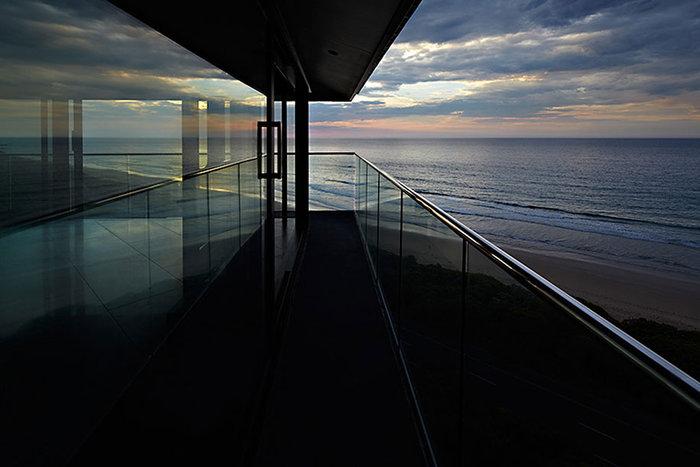 Pole House :Δείτε το εντυπωσιακό σπίτι που ισορροπεί στον αέρα - εικόνα 9