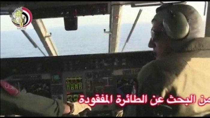 Οι πρώτες εικόνες από τις έρευνες για το αεροσκάφος της Egypt Air