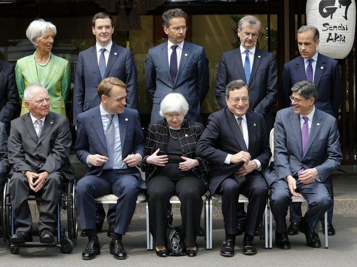 Ντάισελμπλουμ: Υπάρχει πρόοδος στο ζήτημα του ελληνικού χρέους