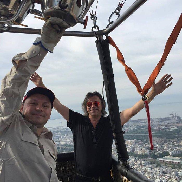 Έφτασε με το αερόστατο στη Θεσσαλονίκη ο Ηλίας Ψινάκης