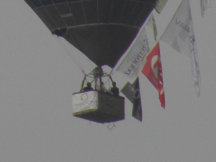 Έφτασε με το αερόστατο στη Θεσσαλονίκη ο Ηλίας Ψινάκης - εικόνα 3