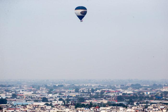 Έφτασε με το αερόστατο στη Θεσσαλονίκη ο Ηλίας Ψινάκης - εικόνα 5