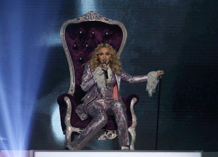 Η Μαντόνα τίμησε τον Prince:Nothing Compares 2 U - εικόνα 3