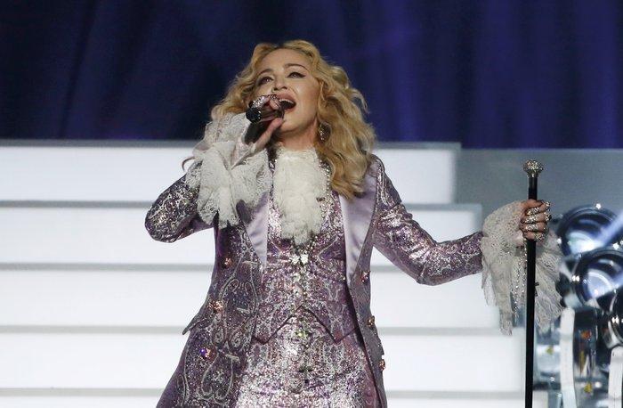 Η Μαντόνα τίμησε τον Prince:Nothing Compares 2 U - εικόνα 4
