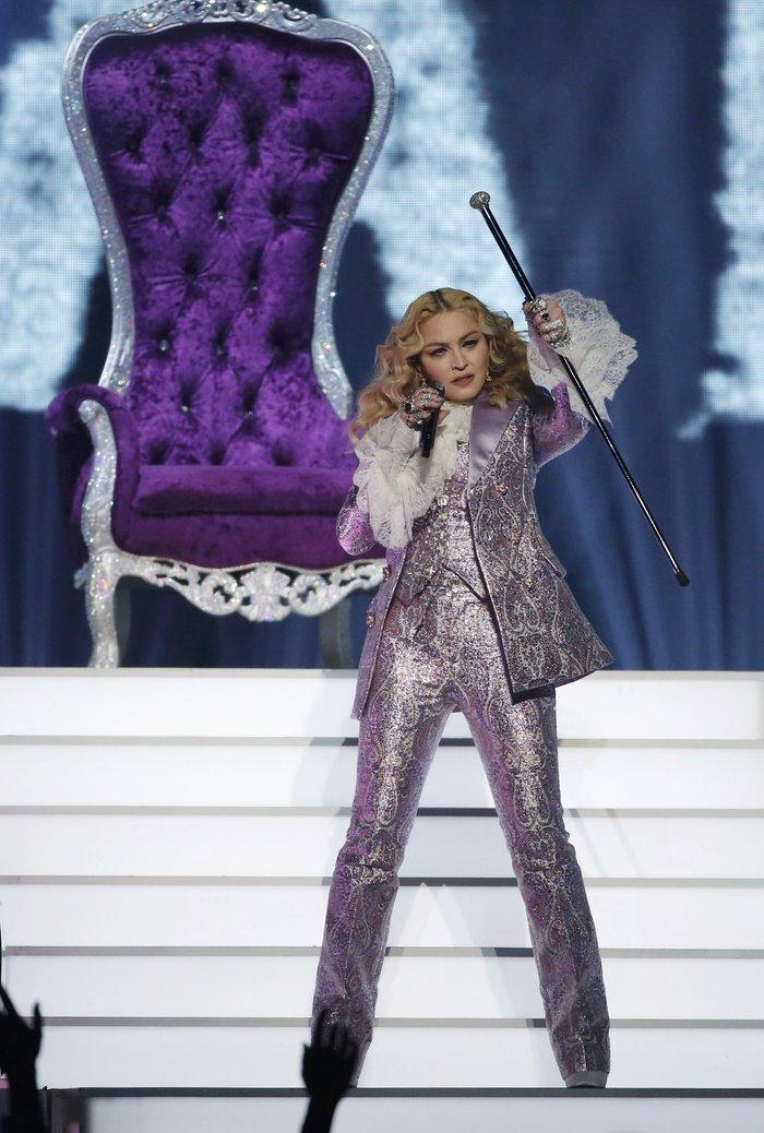 Η Μαντόνα τίμησε τον Prince:Nothing Compares 2 U - εικόνα 6