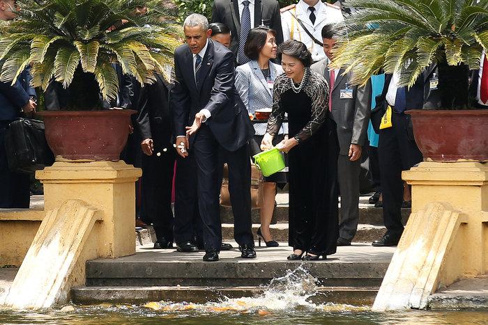 Άρση του εμπάργκο όπλων στο Βιετνάμ ανακοίνωσε ο Ομπάμα - εικόνα 2