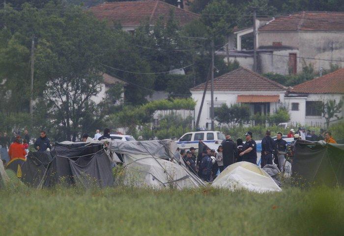«Κλεφτοπόλεμος» με τους δημοσιογράφους στην Ειδομένη - εικόνα 9