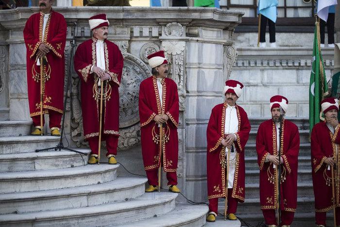 Πάρτι-χλιδής του Ερντογάν σε παλάτι της Κωνσταντινούπολης-φωτο - εικόνα 2