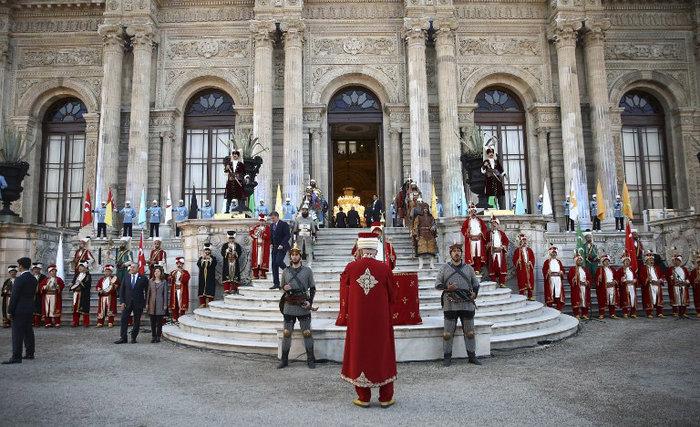 Πάρτι-χλιδής του Ερντογάν σε παλάτι της Κωνσταντινούπολης-φωτο - εικόνα 3