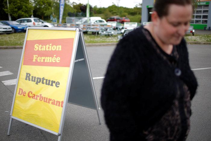 Χάος και ουρές για λίγη βενζίνη στη Γαλλία - εικόνα 2