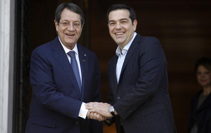 Με τον Κύπριο πρόεδρο Ν. Αναστασιάδη συναντήθηκε ο Αλέξης Τσίπρας
