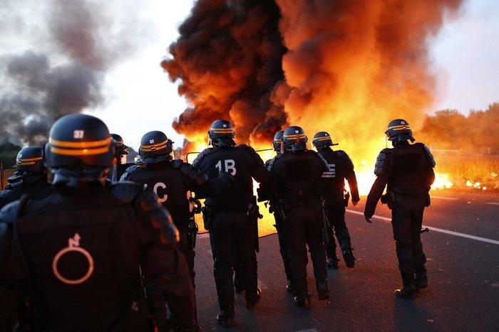 Στο «κόκκινο» η Γαλλία: Απεργούν και οι εργαζόμενοι στα πυρηνικά εργοστάσια - εικόνα 3
