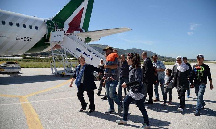Η νέα ζωή των προσφύγων που πήρε μαζί του στη Ρώμη ο Πάπας - εικόνα 2
