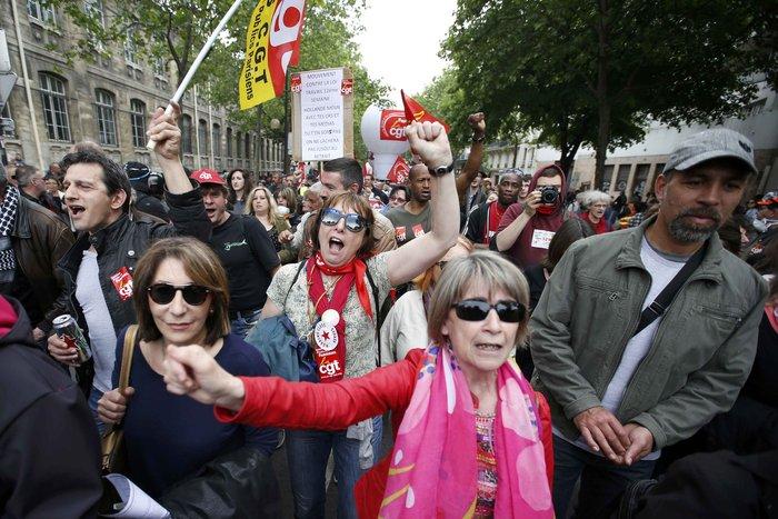 Φλέγεται η Γαλλία για τον νέο εργασιακό νόμο του Ολάντ - φωτό- - εικόνα 7