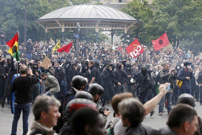 Φλέγεται η Γαλλία για τον νέο εργασιακό νόμο του Ολάντ - φωτό- - εικόνα 8