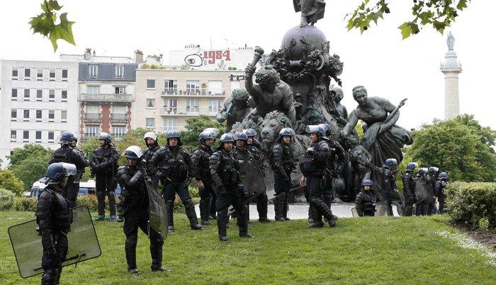 Φλέγεται η Γαλλία για τον νέο εργασιακό νόμο του Ολάντ - φωτό- - εικόνα 10