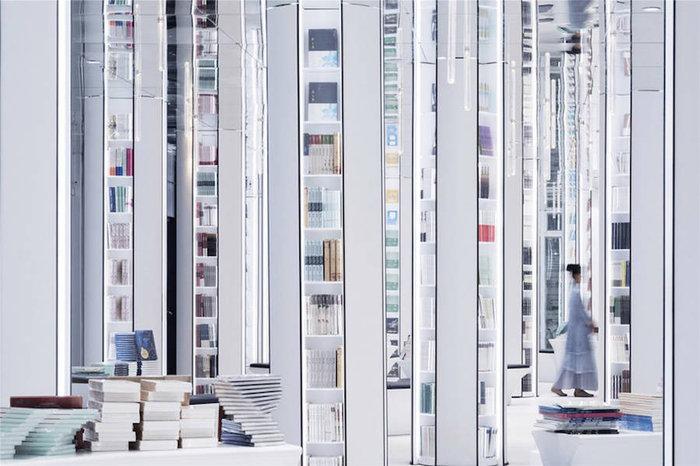 Αυτή είναι η πιο φουτουριστική βιβλιοθήκη του κόσμου - εικόνα 9