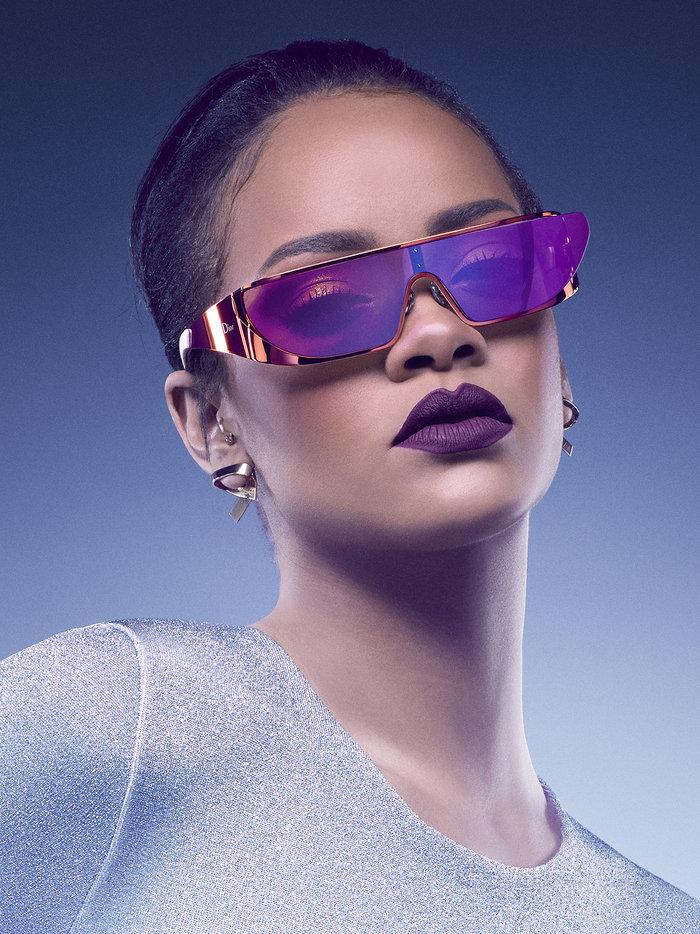 Η Ριάνα κολάζει ακόμη κι όταν διαφημίζει γυαλιά ηλίου! - εικόνα 3