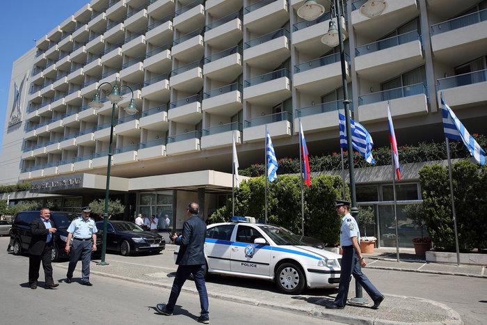 «Ζώνη ασφαλείας» και έξω από το ξενοδοχείο του Πούτιν