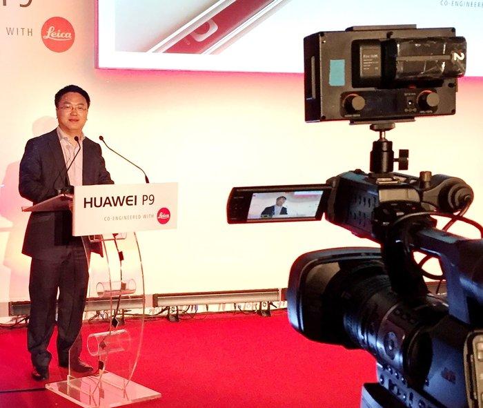 Ο CEO της Huawei Ελλάδας, Τόνυ Μπάο