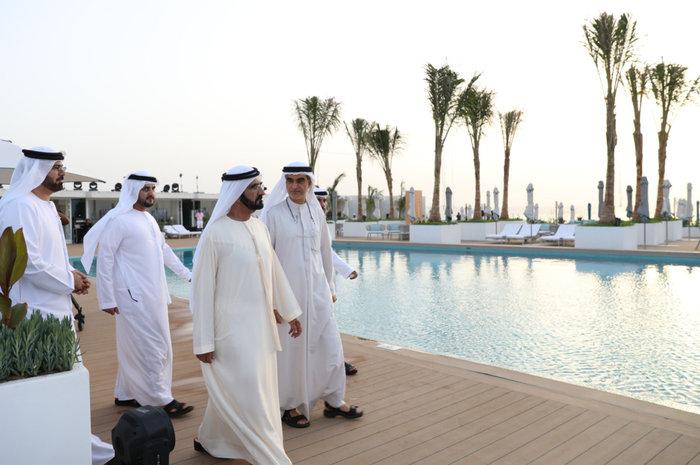 Το ξενοδοχείο με τη πισίνα ακριβώς στη μέση της θάλασσας! Που βρίσκεται άραγε;