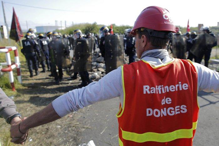 Τέλειωσε ο αποκλεισμός των πετρελαϊκών εγκαταστάσεων στη Γαλλία