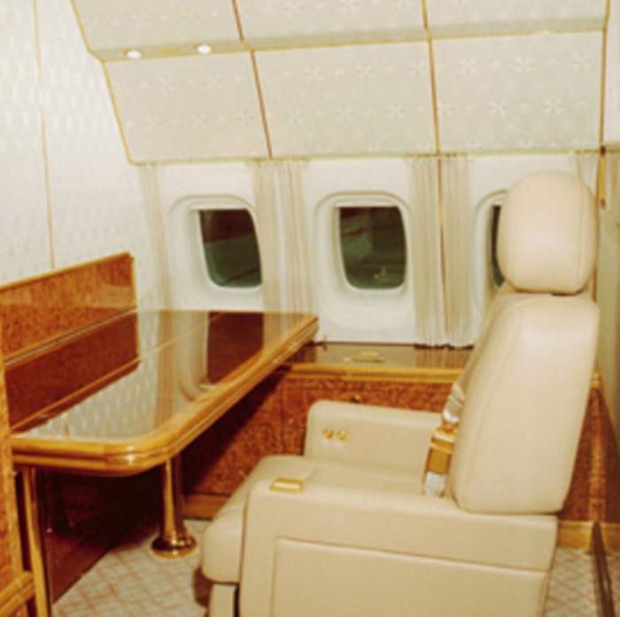 Στα άδυτα του υπερπολυτελούς αεροπλάνου του Πούτιν - δείτε φωτό- - εικόνα 3