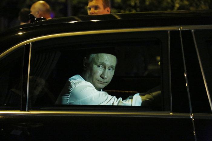 Μέσα στη νύχτα η επίσκεψη Πούτιν στο Βυζαντινό Μουσείο - εικόνα 8