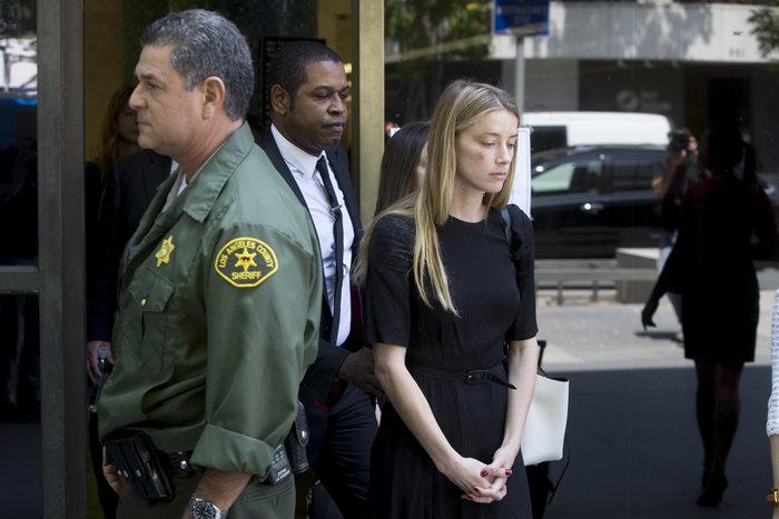 Με μώλωπες στο δικαστήριο η Χέρμπ, πήρε περιοριστικά μέτρα για τον Ντέπ - εικόνα 5