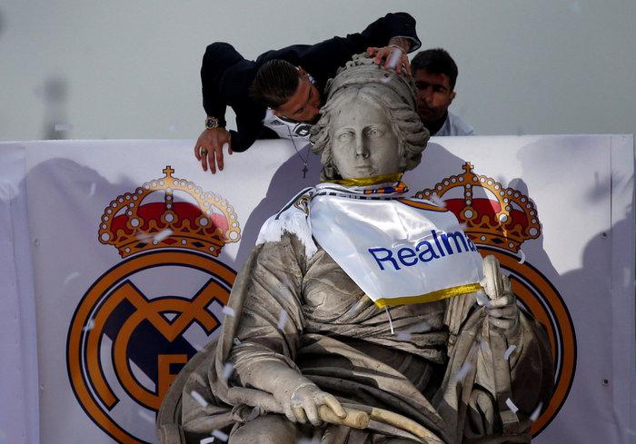 Αποθεωτική υποδοχή της Ρεάλ μετά τη κατάκτηση του Champions League video - εικόνα 2