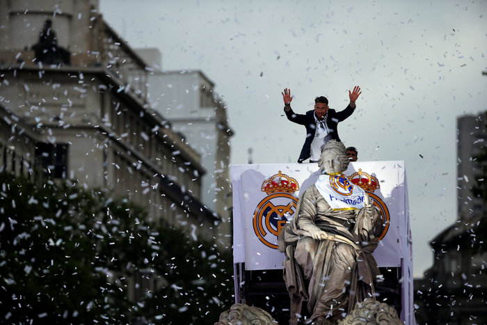 Αποθεωτική υποδοχή της Ρεάλ μετά τη κατάκτηση του Champions League video - εικόνα 6