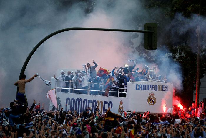 Αποθεωτική υποδοχή της Ρεάλ μετά τη κατάκτηση του Champions League video - εικόνα 7