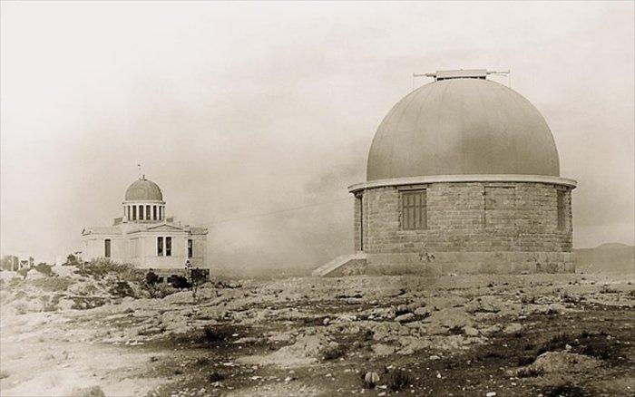 Το κτήριο Δωρίδη στο Λόφο της Πνύκας όταν κατασκευάστηκε (1902)