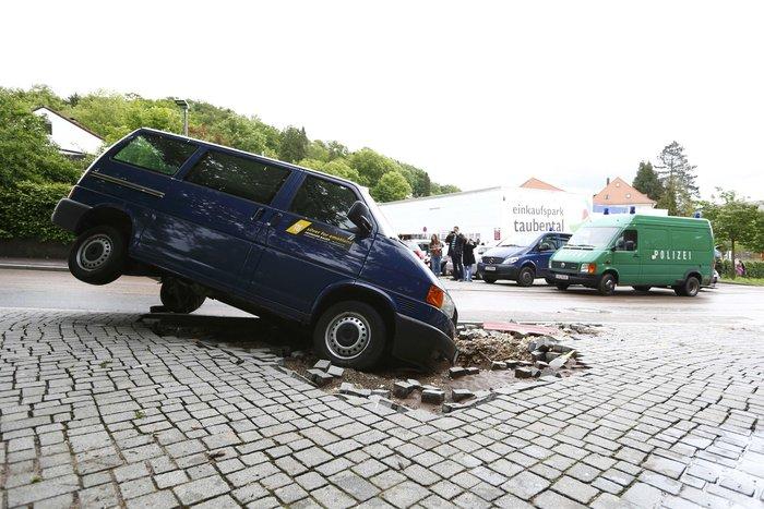 Tρεις νεκροί και τεράστιες καταστροφές από τη θεομηνία στη Γερμανία - εικόνα 10