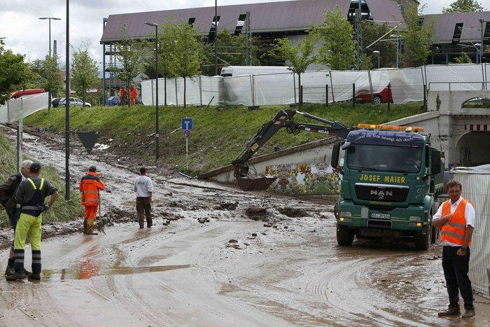 Tρεις νεκροί και τεράστιες καταστροφές από τη θεομηνία στη Γερμανία - εικόνα 11