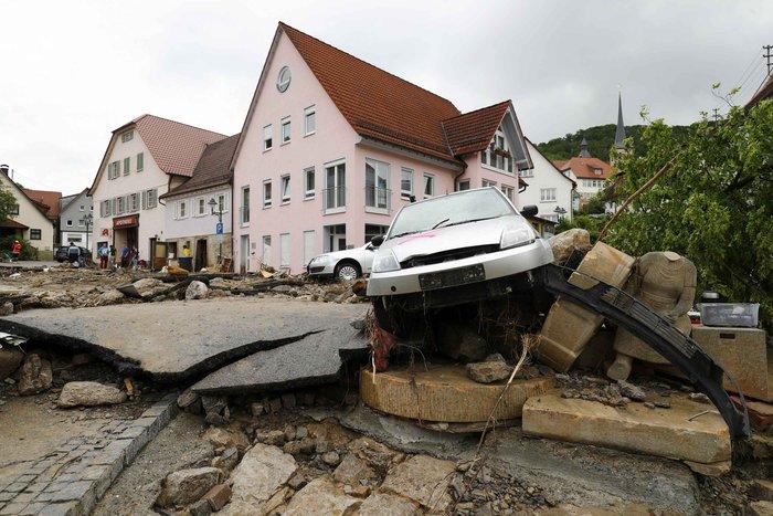 Tρεις νεκροί και τεράστιες καταστροφές από τη θεομηνία στη Γερμανία - εικόνα 15