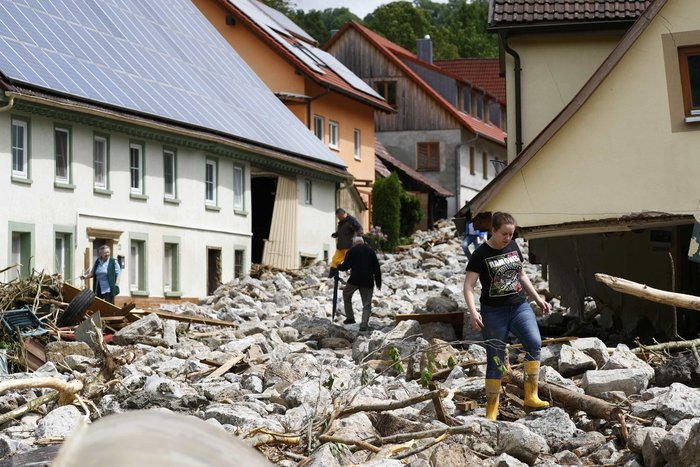 Tρεις νεκροί και τεράστιες καταστροφές από τη θεομηνία στη Γερμανία - εικόνα 17