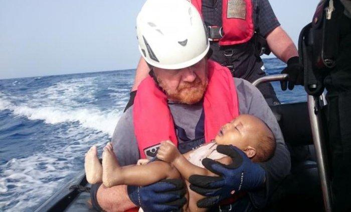Αυτή η φωτογραφία αφυπνίζει συνειδήσεις στην Ευρώπη