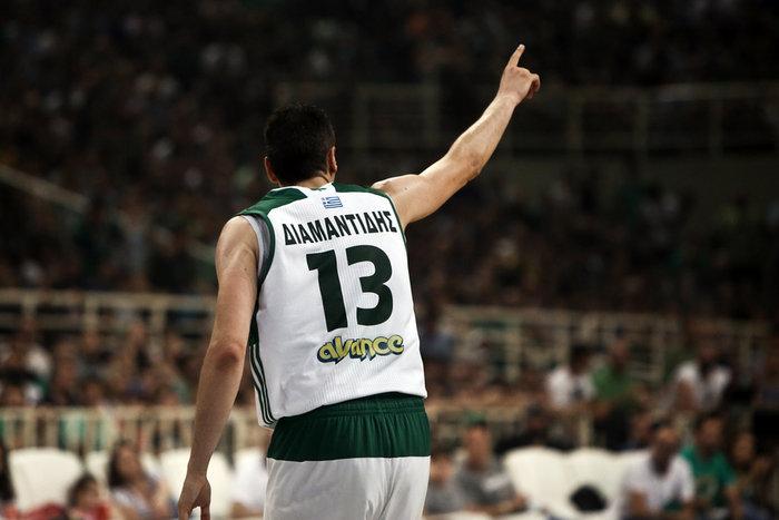 Πρωταθλητής ο Ολυμπιακός στο κύκνειο άσμα του Διαμαντίδη