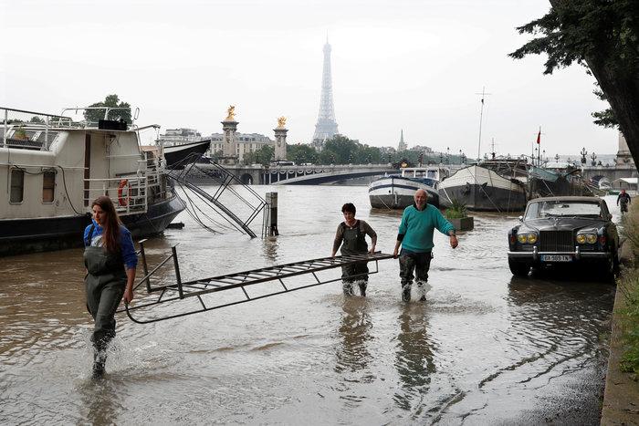 Παρίσι:Οι χειρότερες πλημμύρες τα τελευταία 100 χρόνια - εικόνα 2