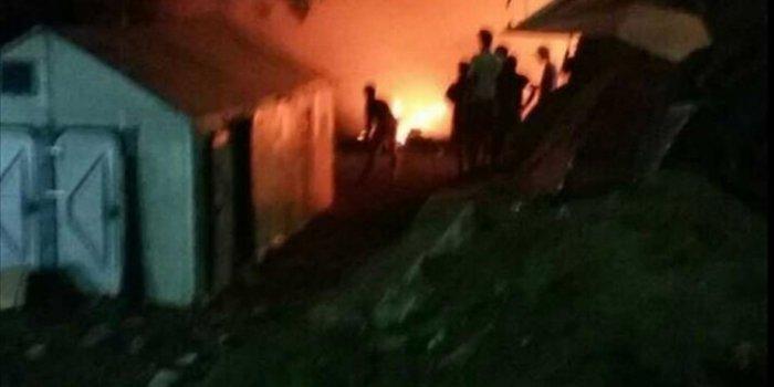 Χάος στη Μόρια - Πυρπόλησαν το hotspot - εικόνα 2