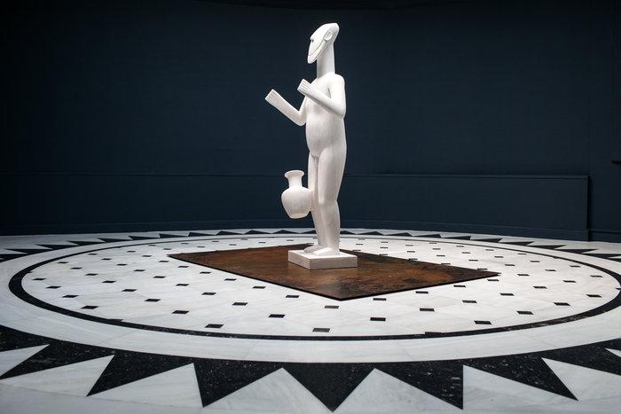 Standing Figure, 2016, Marble, 188 x 80 x 58 cm, photo Paris Tavitian, ©Museum of Cycladic Art