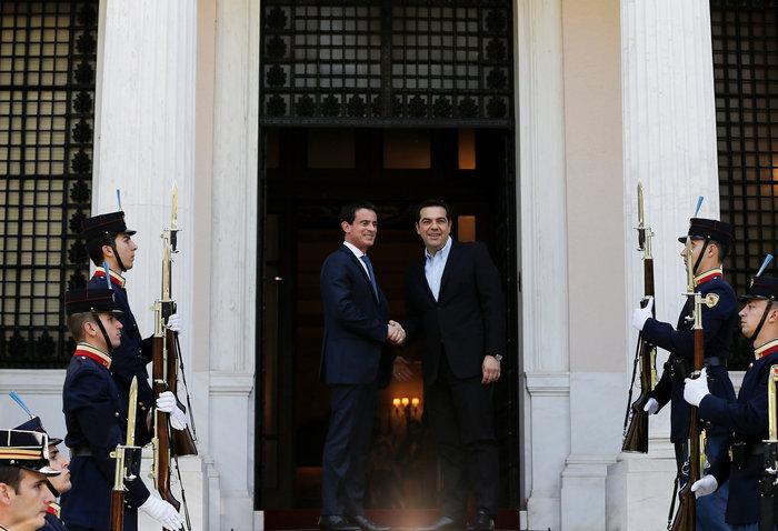 Μανουέλ Βαλς: Η Γαλλία είναι στο πλευρό της Ελλάδας - εικόνα 2