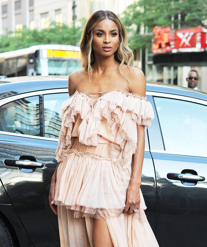 Το ροζ αέρινο φόρεμα που προκάλεσε πανικό στους δρόμους της ΝΥ - εικόνα 3
